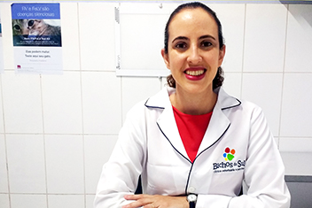 Dra. Andréa Velasque